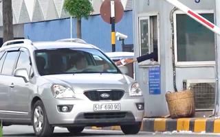 Video: Sân bay vẫn thu phí ra vào dưới 10 phút mặc dù Bộ nhiều lần ra 'tối hậu thư'
