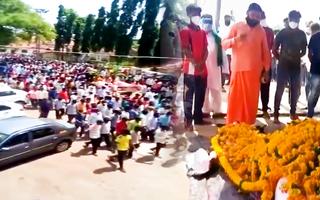 Video: Hàng trăm người dự đám tang một con ngựa bất chấp lệnh phong tỏa tại Ấn Độ