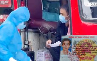 Video: 5 người Trung Quốc 'đóng' trong thùng cactông, dám dùng 'thẻ công vụ đặc biệt' giả để gặp