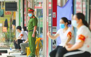 Video: Hà Nội tạm phong tỏa 2 chung cư, Bộ TN-MT có ca nghi nhiễm COVID-19, tạm thời tự phong tỏa