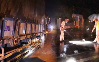 Video: Hai người chết oan uổng vì xe tải lấn làn tông trực diện xe máy