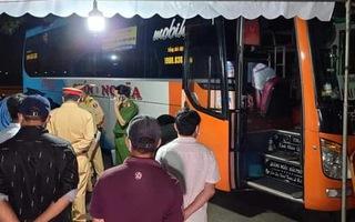 Tài xế xe khách nhốt CSGT, tông chốt kiểm dịch ở Đà Nẵng