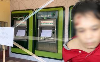 Video: Bắt giữ người đập phá hàng loạt trụ ATM ở Bình Dương