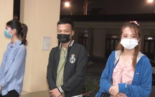 Video: Tụ tập ăn nhậu, 16 thanh niên ở Hà Nam bị phạt 32 triệu đồng