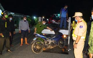 Video: Ngăn chặn nhóm 'quái xế' cổ vũ, đua xe trái phép lúc nửa đêm