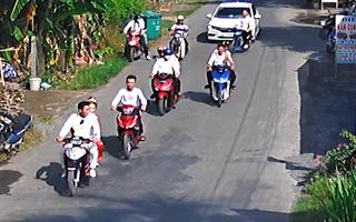 Video: CSGT mời làm việc đoàn rước dâu không đội mũ bảo hiểm, nẹt pô ầm ĩ