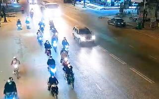 Video: 'Quái xế' học sinh, thanh niên 4 vùng rủ nhau về Đức Trọng náo loạn quốc lộ 20