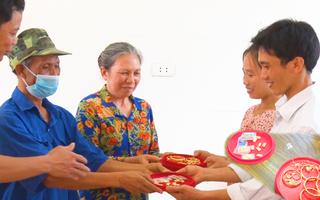 Video: Vợ chồng người thương binh trả lại hơn 21 cây vàng cho người đánh rơi