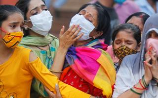 Video: Chi phí chữa bệnh cao hơn vé máy bay, người giàu Ấn Độ ồ ạt ra nước ngoài