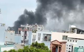 Video: Cháy nhà trong hẻm ở đường Lạc Long Quân, quận 11 làm 8 người thiệt mạng