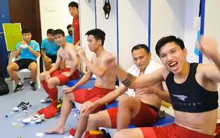 Video: Giây phút không thể quên của tuyển Việt Nam ăn mừng sau chiến thắng Malaysia