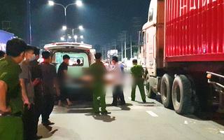 Video: Trên đường đi mua thức ăn, hai mẹ con bị xe container cán chết khi chưa kịp ăn bữa tối