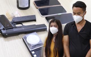 Video: Cô gái vào nhà nghỉ 'bay lắc' với bạn, ở nhà còn tàng trữ súng ngắn