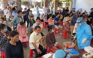 Video: Hai chiến sĩ công an mắc COVID-19, Nghệ An lấy mẫu xét nghiệm hơn 6.000 người