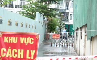Video: Phong tỏa tòa nhà công ty ở Bình Thạnh có 20/81 nhân viên mắc COVID-19