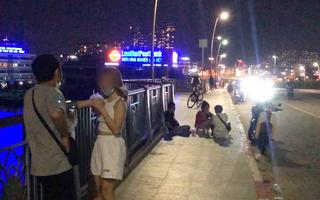 Video: Nhiều người không đeo khẩu trang, lên cầu Thủ Thiêm hóng mát