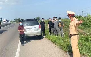 Video: Phát hiện xe chở 6 người Trung Quốc từ Kiên Giang đi Hà Nội, nghi nhập cảnh trái phép