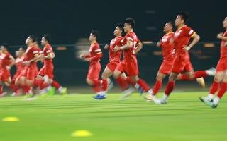 Video: Xem tuyển Việt Nam tập đánh đầu, bứt tốc trước trận gặp Indonesia