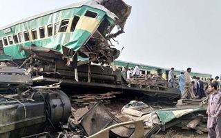 Video: Ít nhất 30 người thiệt mạng trong vụ tai nạn tàu hỏa tại Pakistan