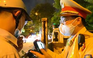 Video: Hà Nội mới nới lỏng giãn cách, nhiều lái xe vi phạm nồng độ cồn