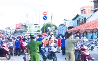 Video: Ùn ứ tại các chốt kiểm soát ở quận Gò Vấp, nhiều người phải quay đầu xe