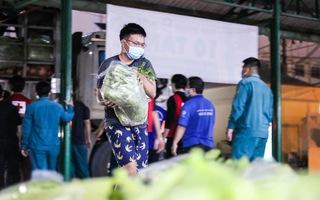 Video: Thâu đêm vận chuyển 40 tấn rau củ từ Lâm Đồng hỗ trợ người dân TP.HCM