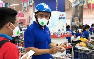 Video: Áo xanh, áo đỏ tình nguyện 'chốt đơn', đi chợ giùm dân những ngày giãn cách