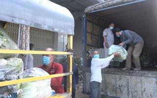 Video: Người dân gửi nông sản, thực phẩm 'tiếp sức' cho TP.HCM chống dịch