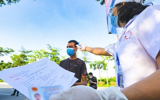 Video: Kiểm tra nghiêm ngặt giấy xét nghiệm âm tính ở 22 chốt kiểm soát khi vào Hà Nội
