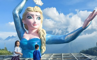 Video: Công chúa Elsa ở Sa Pa lại gây ồn ào, bị 'ném đá' tới tấp