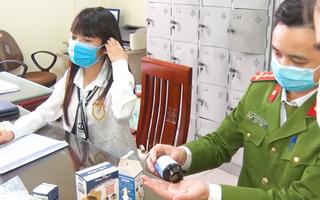 Video: Bắt 2 cô gái làm giả số lượng lớn 'thuốc đông y' và thực phẩm chức năng