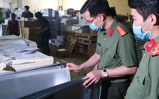 Video: Phát hiện trên 15 tấn sách nghi in lậu tại Hà Nội