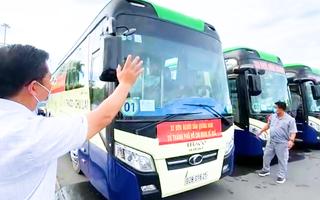 Video: Quảng Nam đưa xe vào TP.HCM đón khoảng 300 người dân về quê