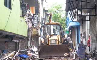 Video: 4 người cùng gia đình thiệt mạng trong vụ sập nhà do mưa lớn ở Ấn Độ