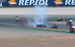 Video: Ngã khỏi môtô, tay đua 14 tuổi bị xe phía sau đâm tử vong