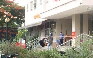 Video: Phong tỏa chung cư trên đường Phan Chu Trinh, quận Bình Thạnh do có ca mắc COVID-19