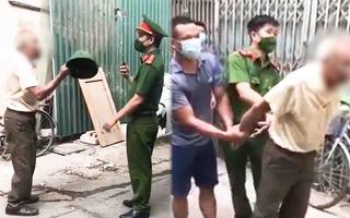 Video: Cụ ông 79 tuổi bị phạt 2 triệu đồng vì đánh công an khi được nhắc đeo khẩu trang