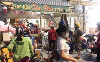 Video: 0h 6-7 phong tỏa phường Tân Phú, TP Thủ Đức; Nhiều người dân mua hàng hóa trước giờ 'G'
