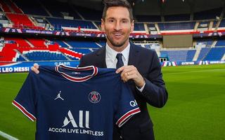 Video: Messi chính thức gia nhập PSG, lương dự kiến 35 triệu euro/năm