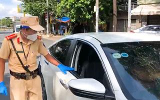 Video: Tạm dừng khai báo di chuyển nội địa tại một số chốt giao thông ở TP.HCM