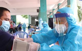 Video: Bộc bạch xúc động của bác sĩ 71 tuổi đã về hưu vẫn xung phong chống dịch ở TP.HCM
