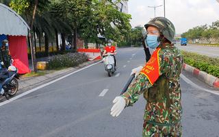 Video: Quân đội phối hợp kiểm tra 'giấy thông hành' gắt gao, không đủ điều kiện bị xử lý hoặc yêu cầu quay đầu