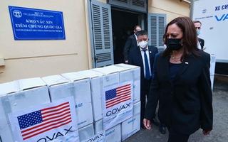 Video: Phó Tổng thống Mỹ đến thăm kho vắc xin do Mỹ viện trợ ở Hà Nội