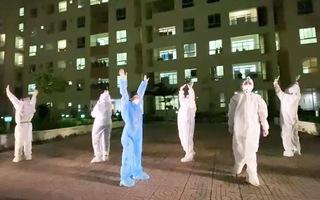 Video: Cẩm Vân, Tóc Tiên, Quốc Đại… 'tiếp sức' bệnh nhân COVID-19 ở Bệnh viện dã chiến số 11