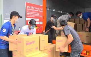 Hơn 3.000 giỏ quà nghĩa tình sẽ tiếp tục đến với người nghèo khó