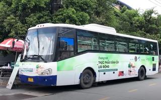 Video: Xe buýt tháo ghế, sơn sửa làm thành siêu thị mini phục vụ người dân TP.HCM