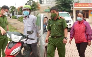 Video: Bắt người phụ nữ để ma túy vào cốp xe của chồng cũ rồi báo công an để 'trả thù'