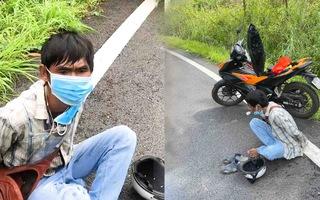 Video: Bắt quả tang người đàn ông đi xe máy lên cao tốc chích ma túy