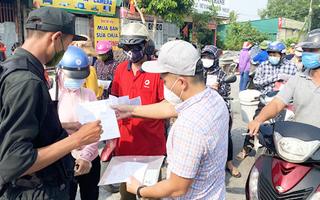 Video: Ùn tắc ở cửa ngõ thành phố Vinh vì yêu cầu giấy đi đường