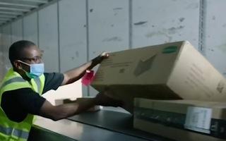 Video: Mỹ mua thêm 500 triệu liều vắc xin Pfizer để tặng các nước